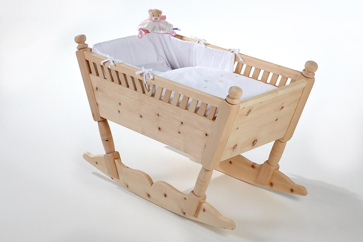 Babywiege aus zirbenholz schnalser säge handgemachte zirbenholz